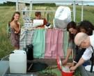 Fältköket; Gunnel Pettersson serverar mandelskorpor på bovetebas